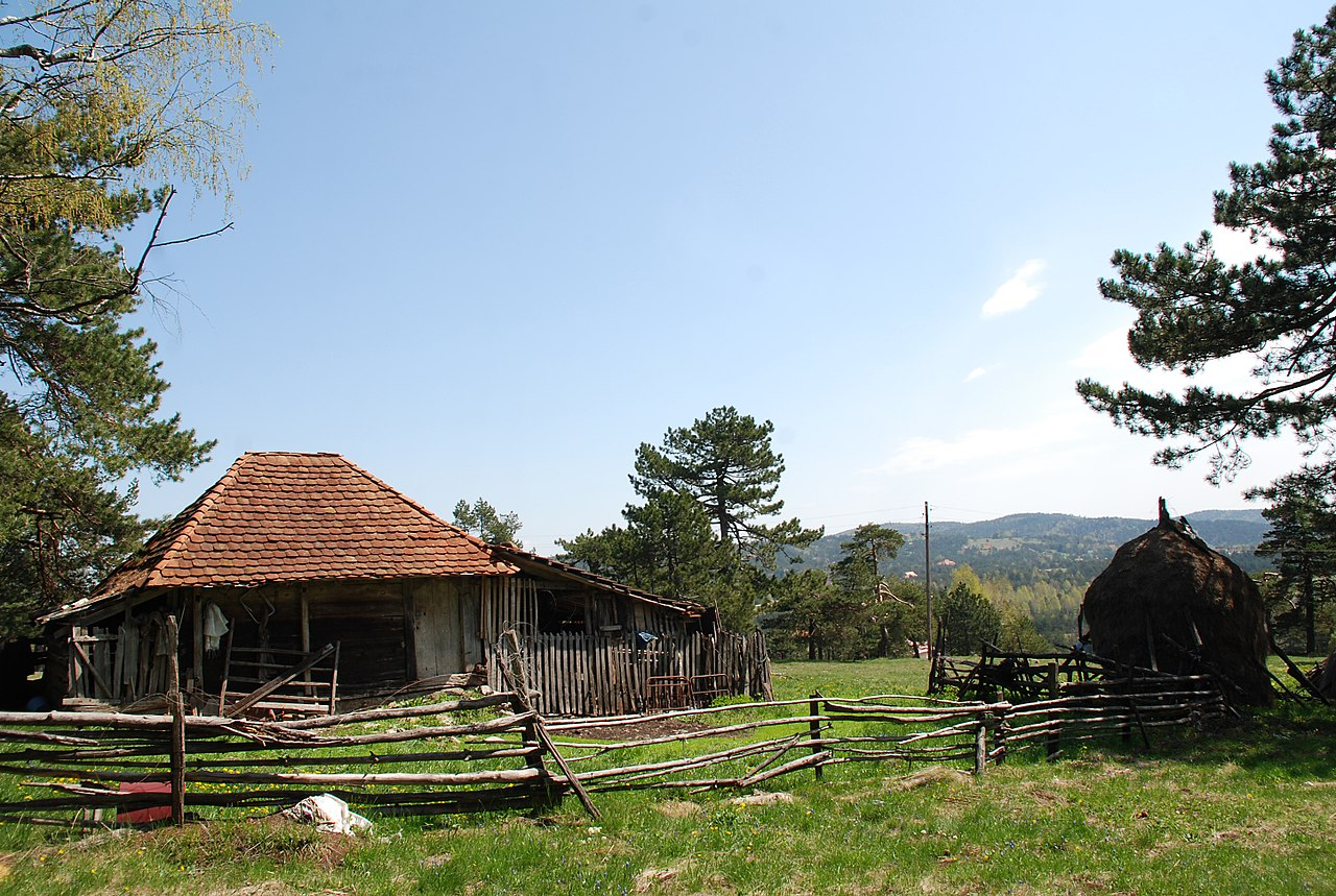 Stari katun na vrhu Golubac, foto: Vladimir Pecikoza / Wikimedia