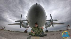 Bojan Perić na snimanju serije Vojna akademija avion