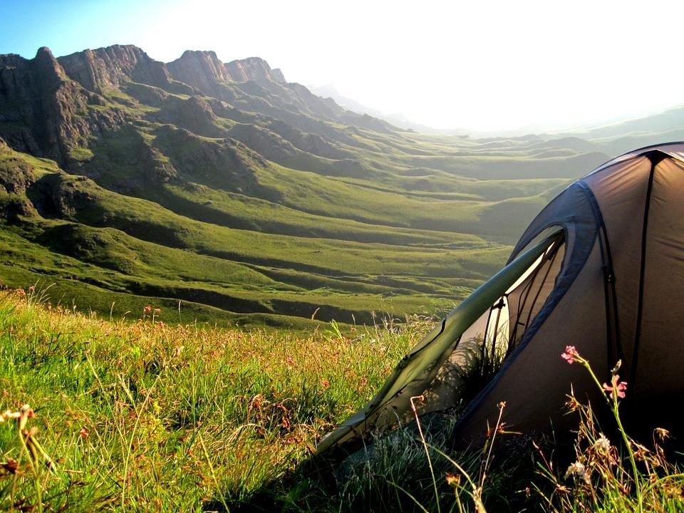 Šator, kampovanje