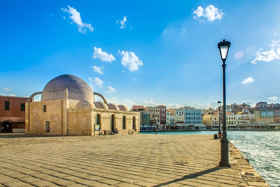 Sauda pripada opštini Hanija, drugom po veličini gradu na Kritu