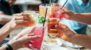 Piće, žurka, ljudi