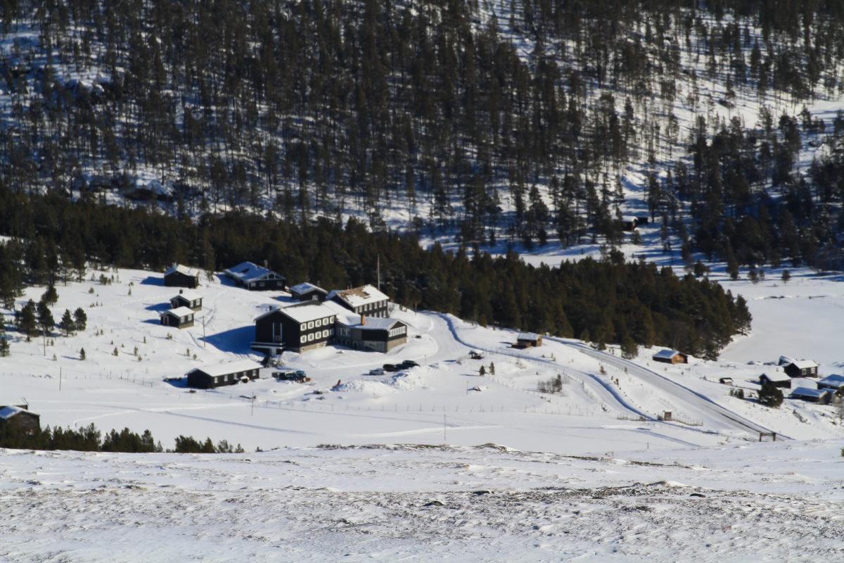 Pogled na hotel sa brda