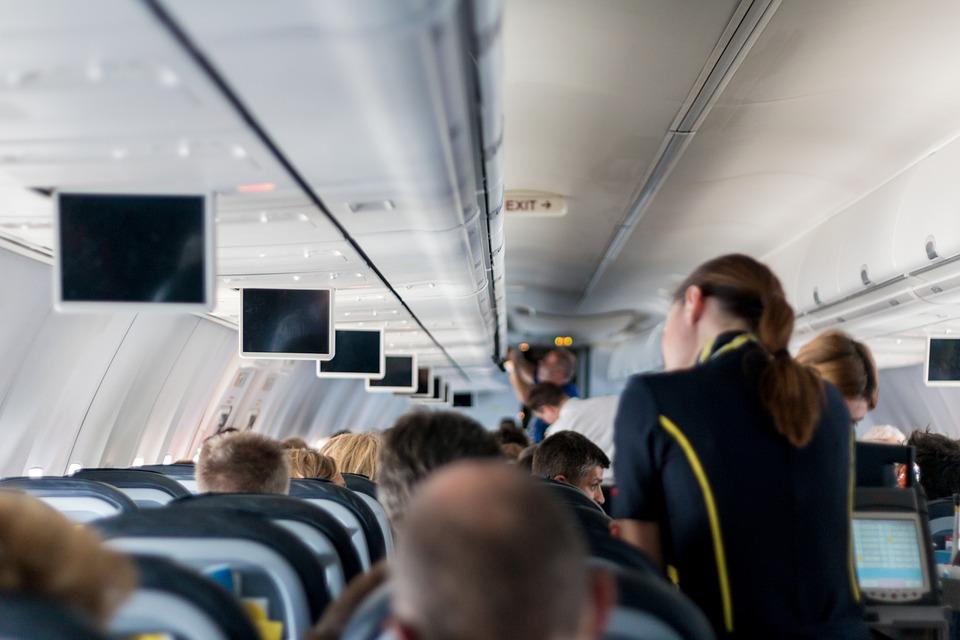 Stjuardesa, avion, let, putnici, putovanje