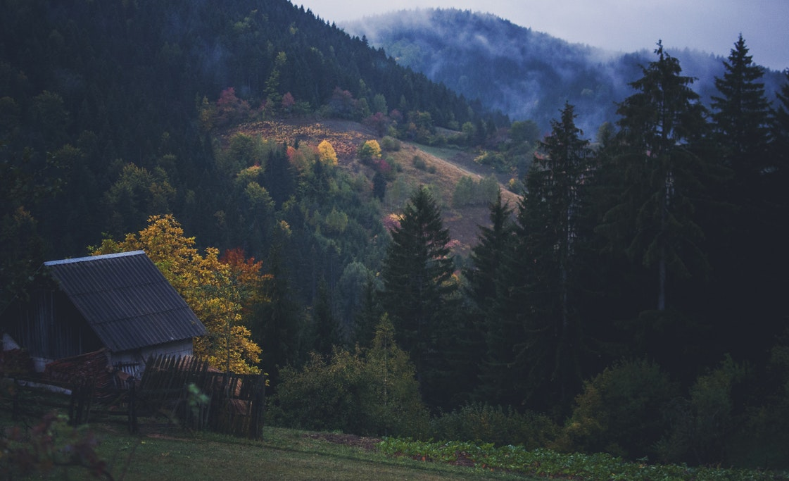 Planina, kuća, selo