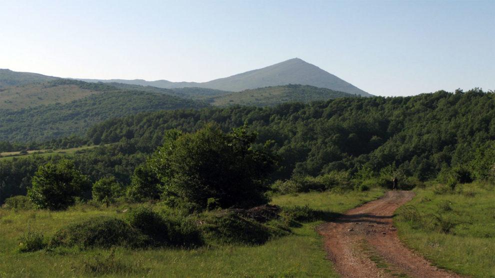 Planina Rtanj iz daljine