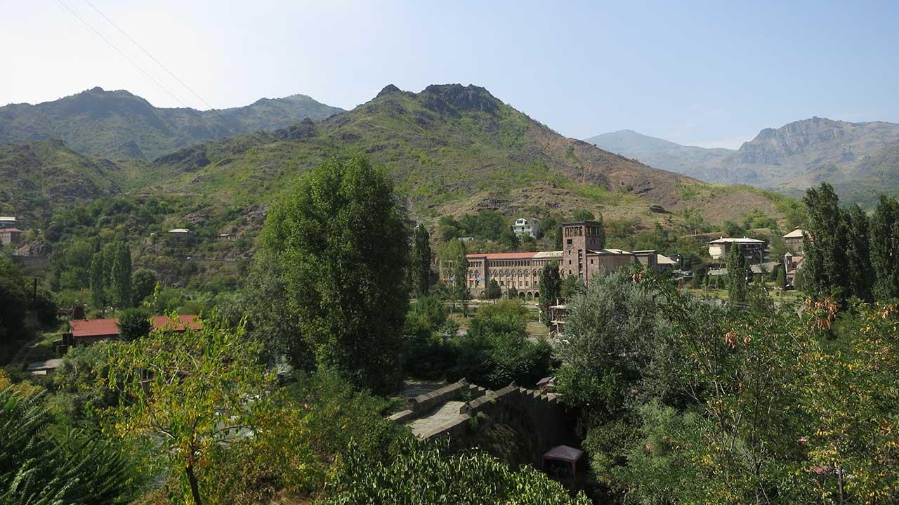 Alaverdi u Jermeniji, njegov lepši deo. Međutim, u okolini se nalaze predivni manastiri. Foto: Uroš Nedeljković