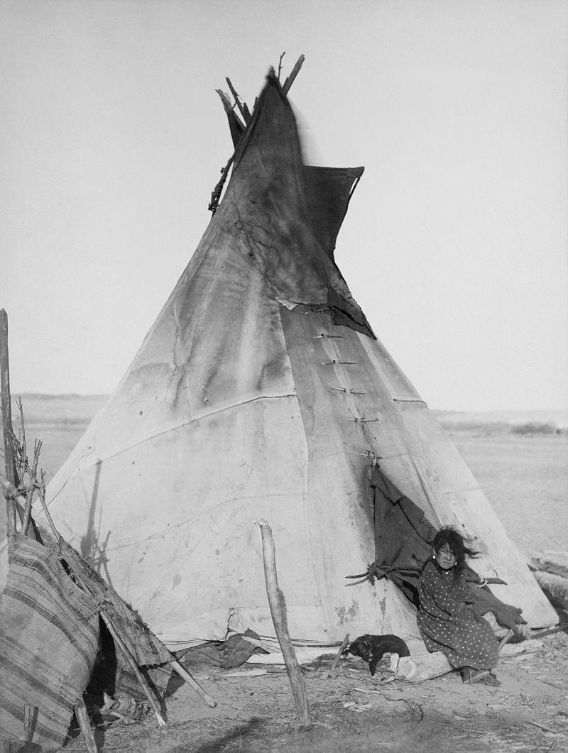 Tipi, konusni šator kakav su koristila indijanska plemena