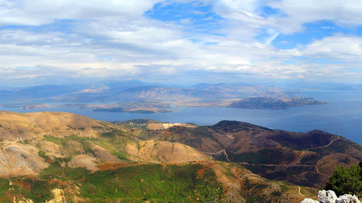 Pogled na albansku obalu s najviše tačke na Krfu, foto: Uroš Nedeljković