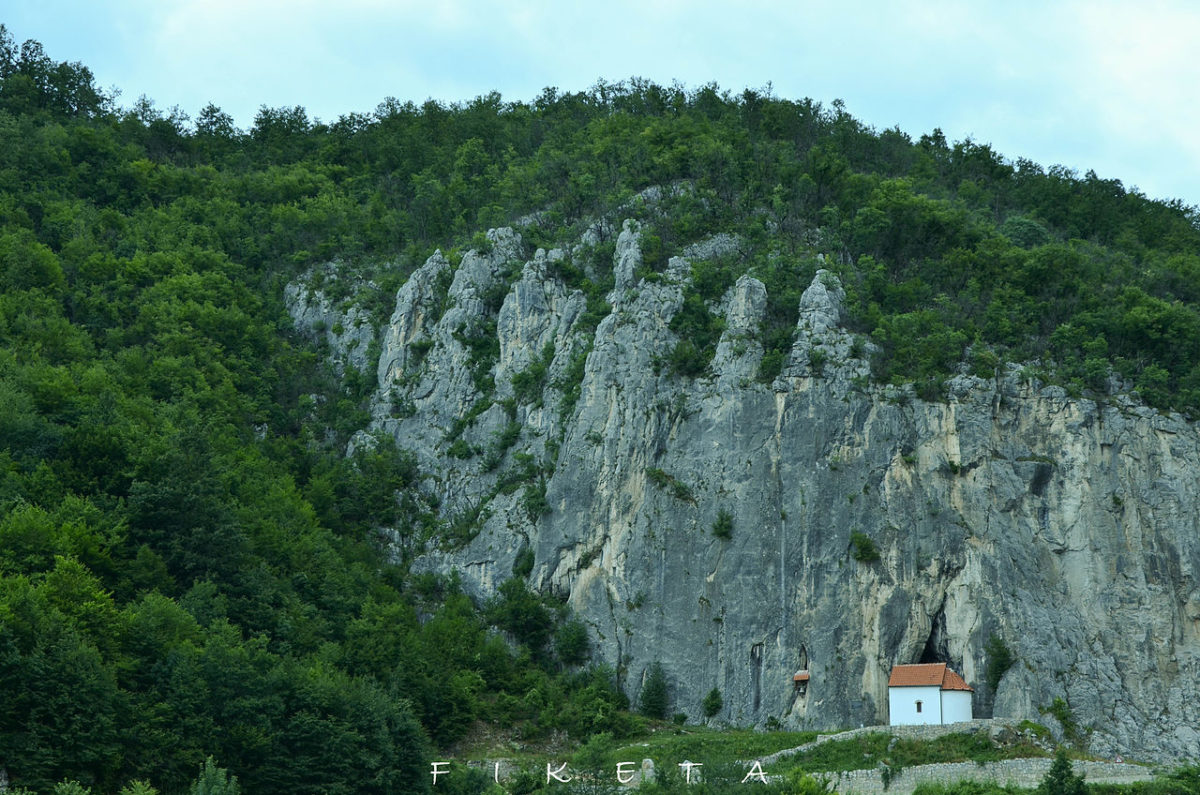 Hadži Prodanova pećina