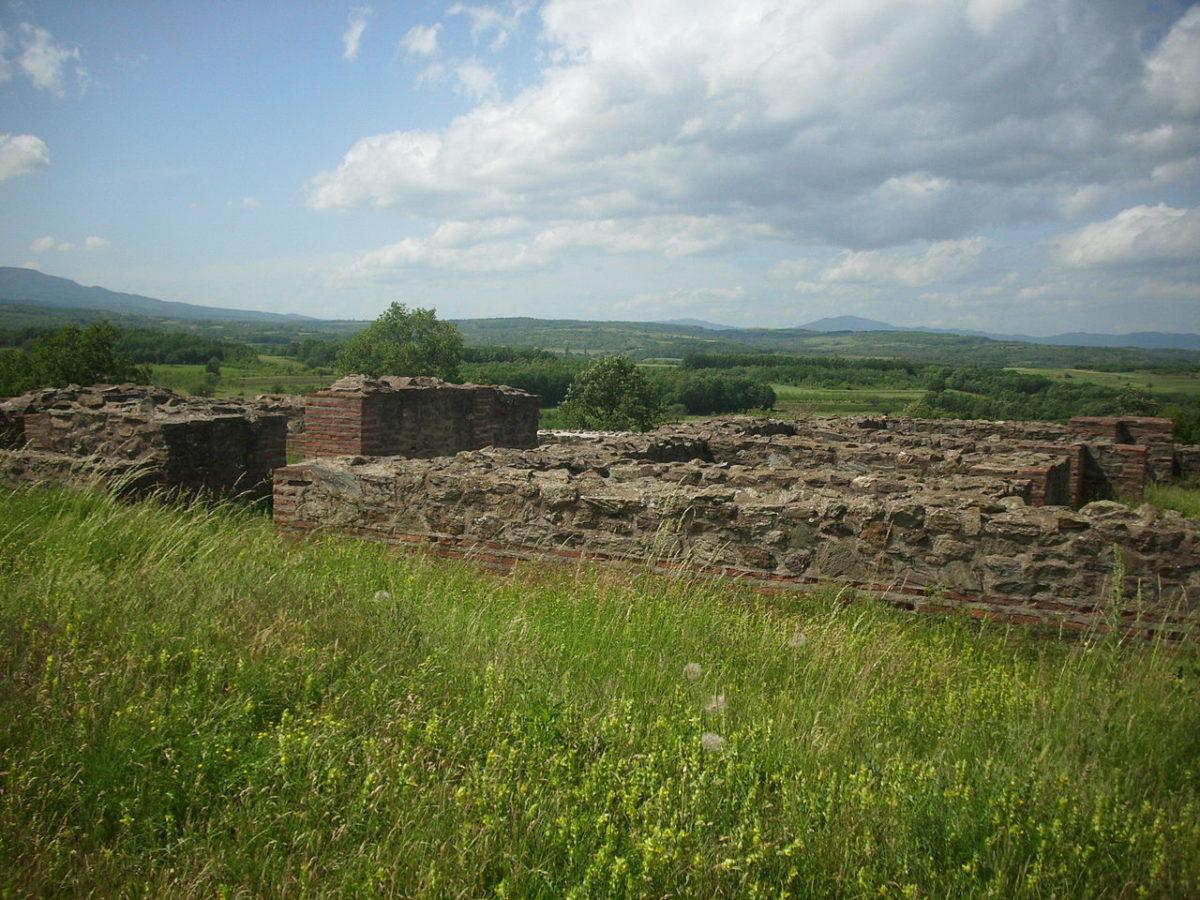 Ostaci bedema foto: BokicaK / Wikimedia