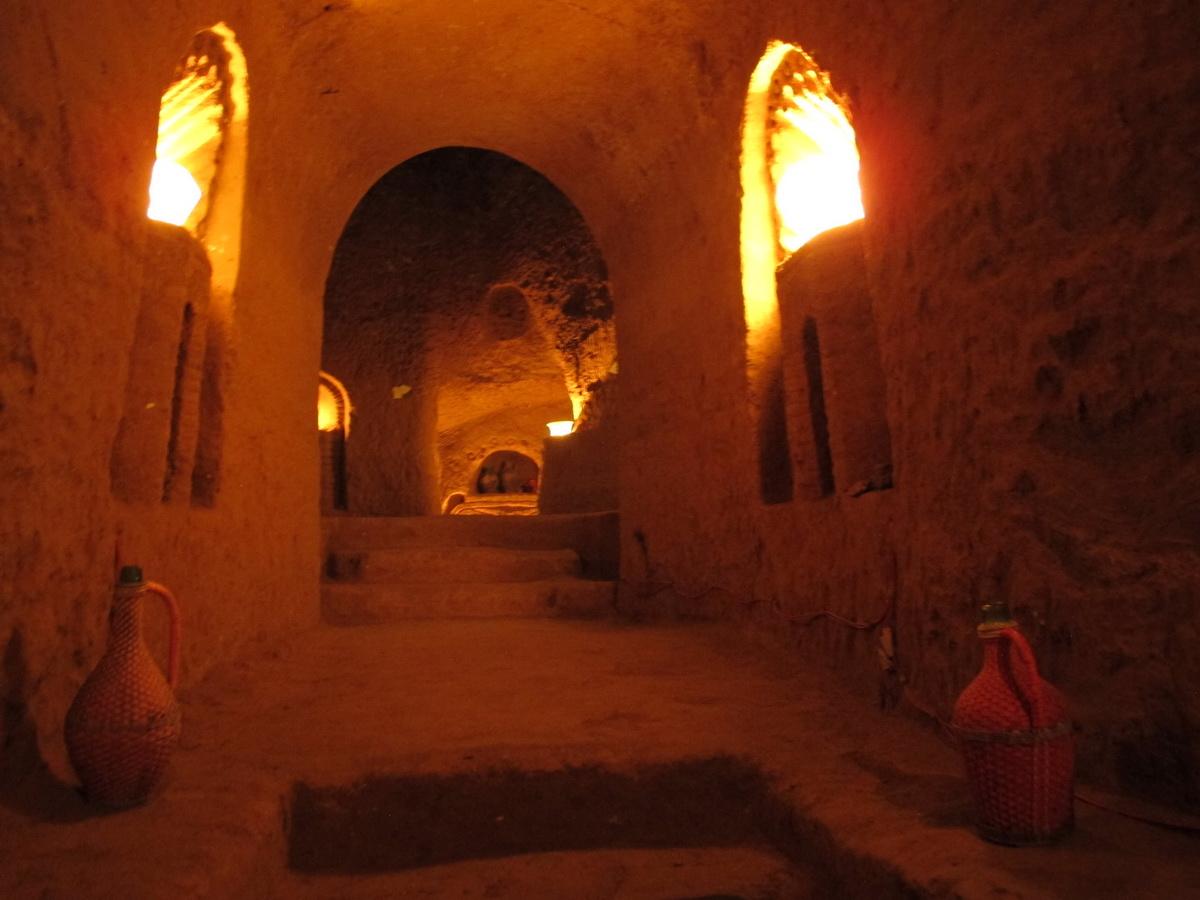 Pored mesta za krompir, zamisao je bila da služi i kao vinski podrum