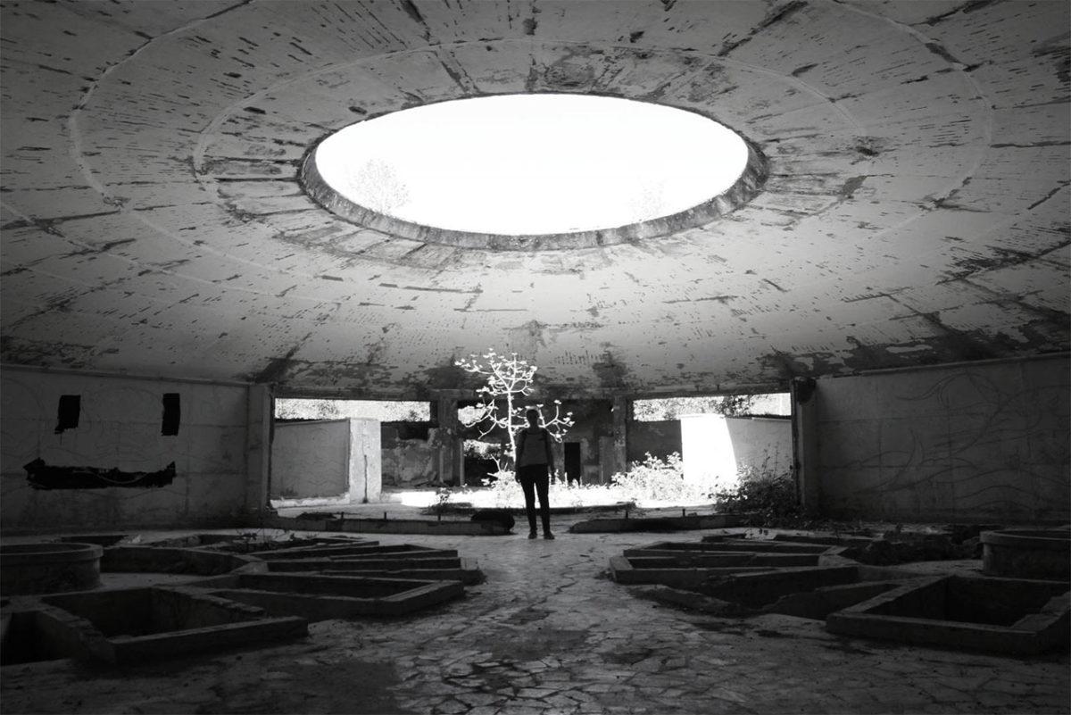 Chaltubo je bivše sovjetsko kupalište s tragovima neverovatne raskoši, a danas je ili napušteno ili je naseljeno izbeglicama. Foto: Uroš Janić