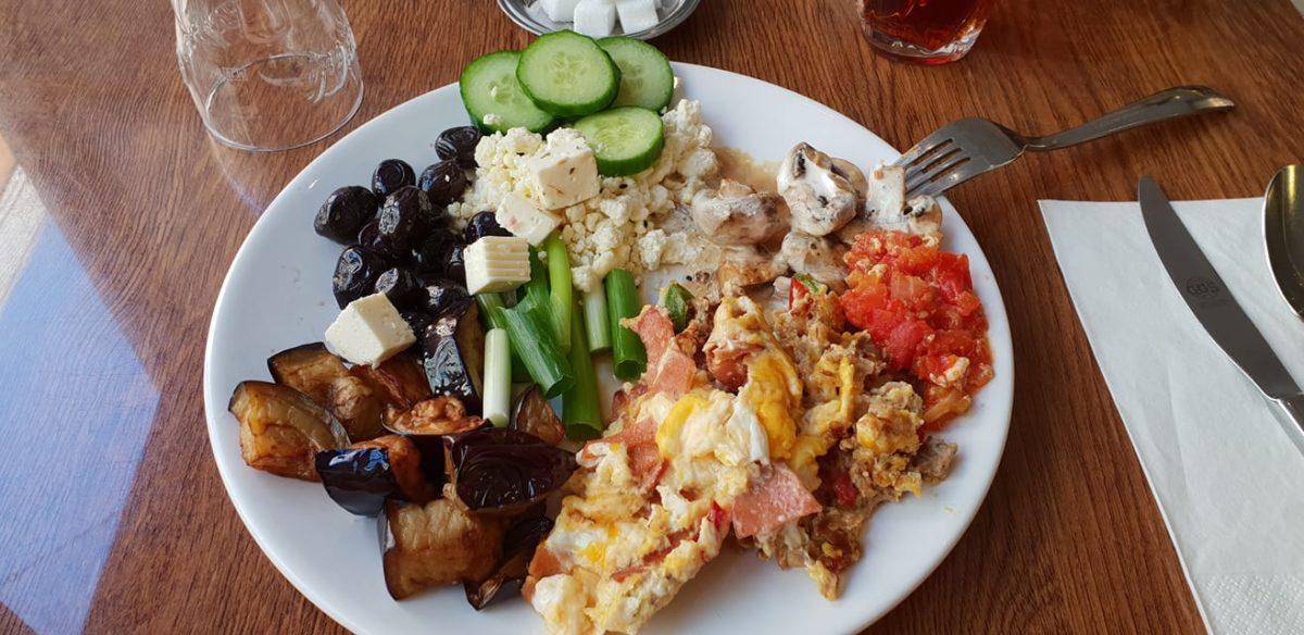 Turska hrana je bazirana na mesu, povrću, siru i jogurtu - foto: Marina Ilijević
