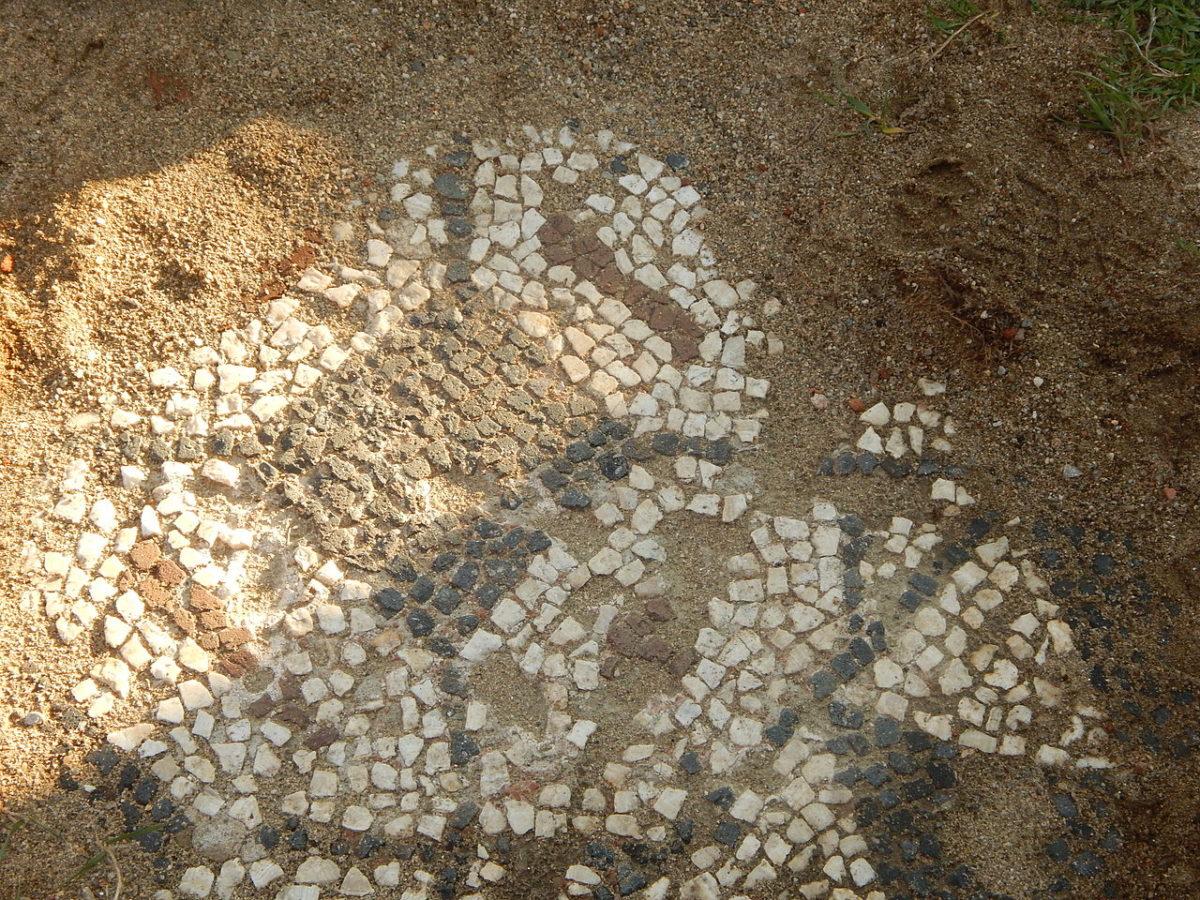 Deo mozaika, a veći deo je konzerviran i pod zemljom radi očuvanja, foto: Breza07 / Wikimedia