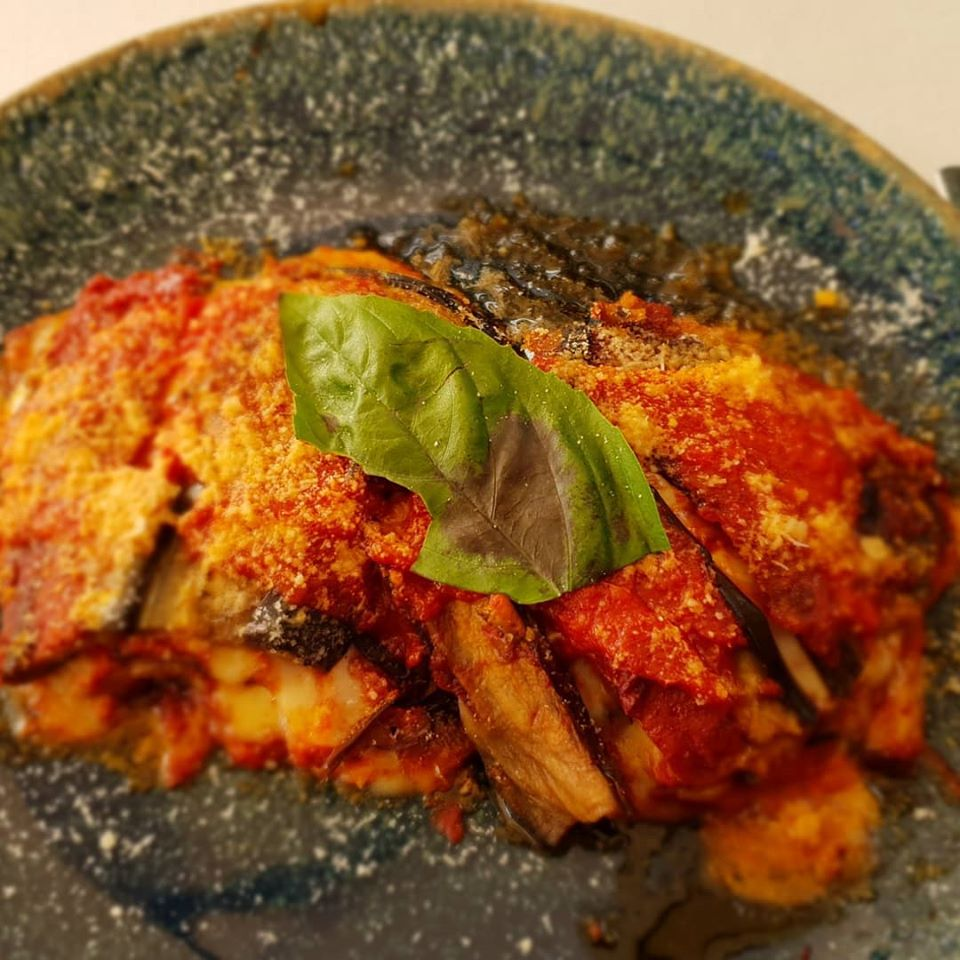 Parmigiana di melanzane - patlidžan zapečen u rerni sa paradajzom, mocarelom i parmezanom, foto: Marina Ilijević