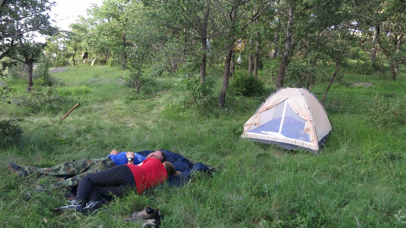 U moderno doba kampuju svi, i stari i mladi, bogati i siromašni i zajedničko im je jedno: vole boravak u prirodi - foto: Uroš Nedeljković
