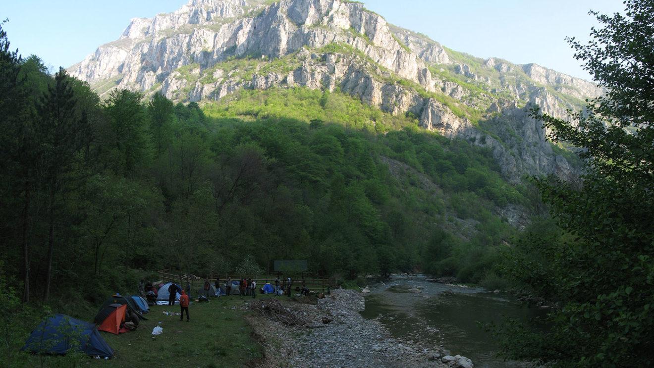 Bitno je da vas u šatoru sunce ne budi prerano, tako da razmislite o kampovanju u kanjonu, foto: Uroš Nedeljković