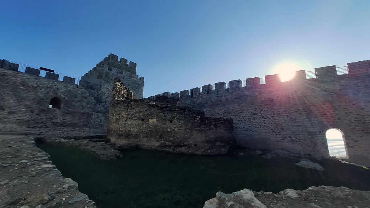 U tvrđavi Ram se nalaze ostaci džamije iz turskog perioda koja nije obnovljena, foto: Uroš Nedeljković