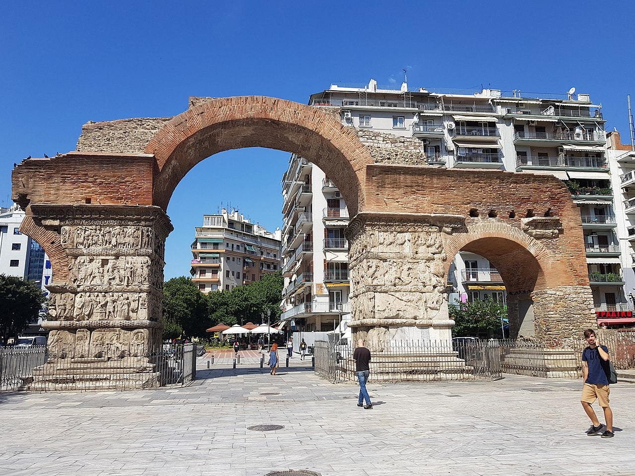 Veza između Gamzigrada i Soluna: Galerijev luk ispod koga ste verovatno mnogo puta prošli, foto: Armineaghayan / Wikimedia
