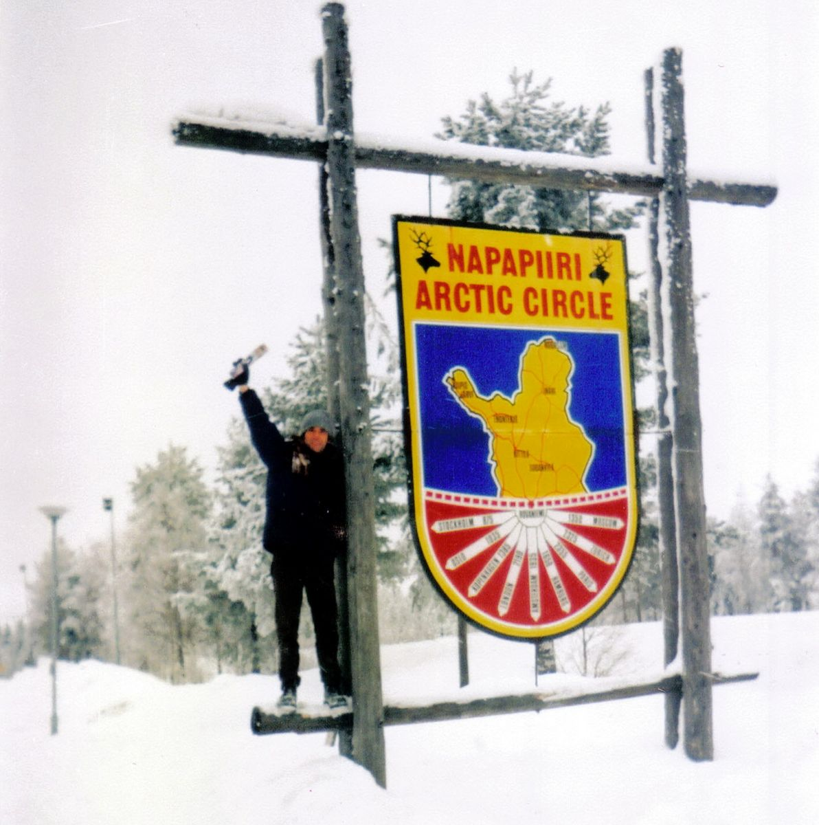 Od pustinje do prašume, dobro ne baš do prašume ali evo ga u Joulupukiju, dakle Polarni krug, Rovaniemi, Finska