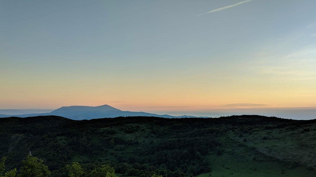 Izlazak sunca iznad planina Rtanj, pogled sa vrha Oštra čuka, foto: Uroš Nedeljković