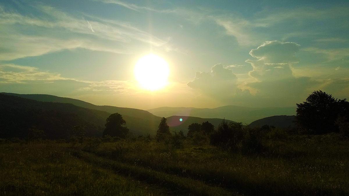 Možete biti nagrađeni i zalaskom sunca sa pogledom na Ozren, foto: Uroš Nedeljković