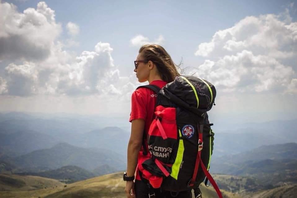 """""""Kao što neko neće otići da trči maraton u papučama ili sandalama, tako i u planinu ne treba ići bez adekvatne odeće i obuće"""", kaže Jelena Đoković iz Gorske službe spasavanja"""