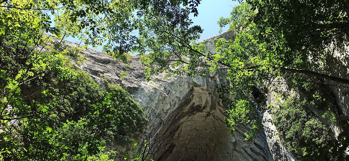 Tunelska pećina Prerast u kanjonu Zamne tzv. Rajska prerast, foto: Dejan Baković