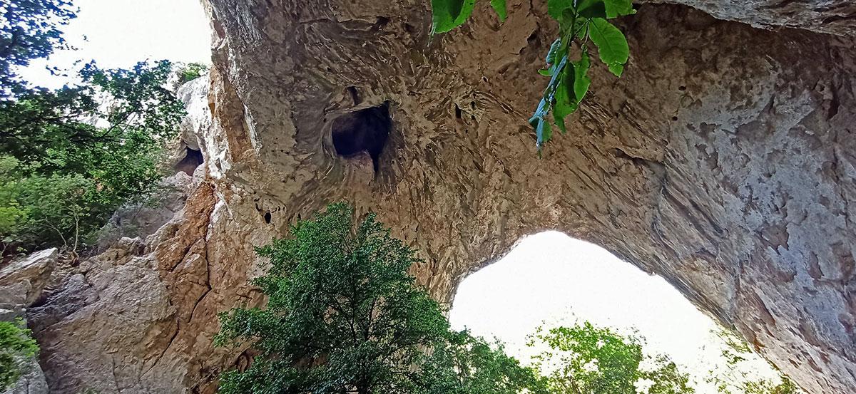 Mala i Velika prerast su nekada bili deo tunelske prećina koja se obrušila. Foto: Dejan Baković