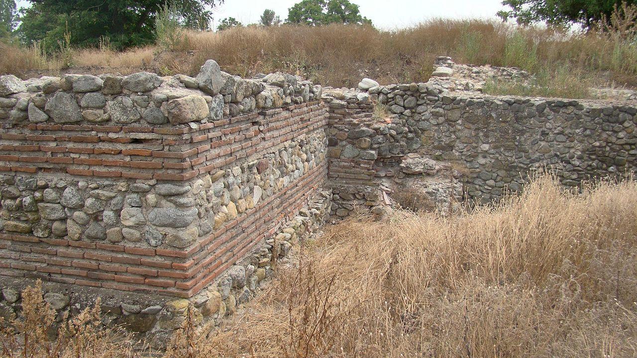 Uz istraživanja južne kapije i zidovi se pripremaju za restauratorsko-konzervatorske radove, foto: Marko M. Marković / Wikimedia