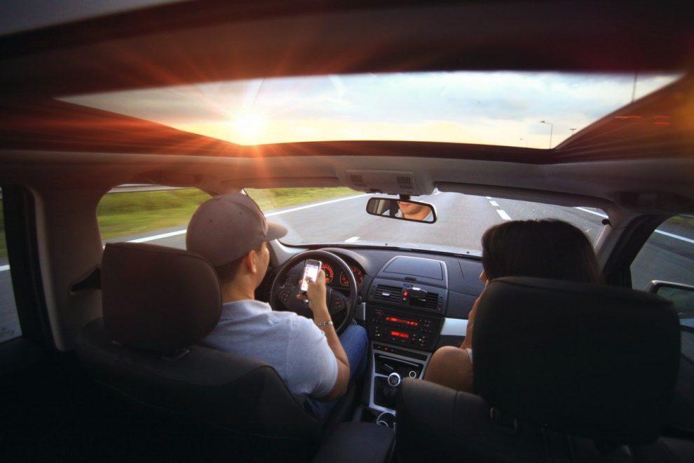 Vožnja tokom letih meseci, automobil